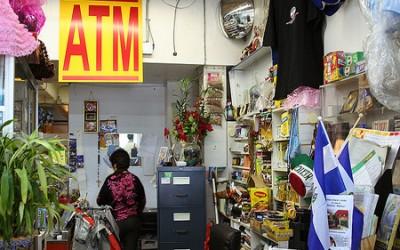¿Por qué obtener un cajero automático instalado en su negocio?