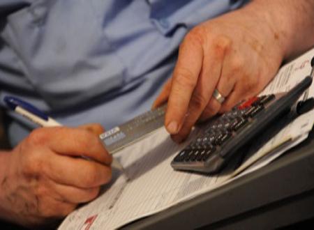 ¿Qué es mejor para el comerciante: tarjeta de débito o crédito?